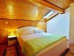A2(4): bedroom