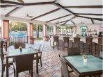 Sheraton Vistana Resort Zimmies Outdoor Seating