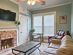 1,500 square feet of living space allows up to 6 guests to enjoy a comfortable vacation.