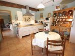 Kitchen with breakfast area - but why not eat on the terrace.
