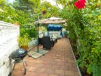 Furnished garden patio with BBQ