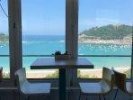 breakfast room views