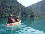 Kayak en Mediano. Con nosotros(Nómadas del Pirineo).