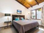 Guest bedroom, double bed