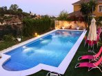 extra large privat pool and jaccuzzi