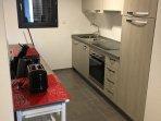 cuisine équipée - lave vaisselle - réfrigérateur congélateur - induction-four et micro ondes