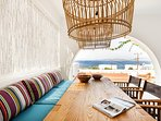 Covered terrace with sea views - Outdoor dining area