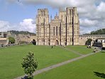 The magnificent Wells Cathedral with Cathedral Green in the foreground. An easy 10 mins walk.