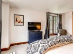 14_Ascent-301_master-bedroom.jpg