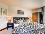 16_Ascent-301_master-bedroom.jpg