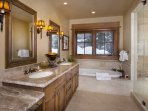 VillageWalk102_MasterBath-.jpg