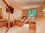14-Highlands-Lodge-206-Bed-C1.jpg