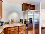 8_Ascent 304_kitchen.jpg