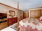 13_Kiva-432_master-bedroom-3.jpg