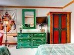 17_Kiva-432_bedroom-2.jpg