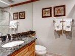18_Kiva-432_bathroom-2.jpg
