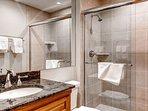 22_Kiva-432_bathroom-3.jpg