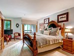 7-Kiva-228Master-bedroom_*********.jpg