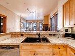 11-Villa-Montane-115-Kitchen-4.jpg