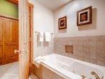 18-Villa-Montane-115-Bath-B2.jpg