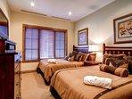 121205_East-West-Resorts_17 BCLA308_HDReal_lo.jpg