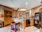 04-Highland-Lodge-308_kitchen.jpg