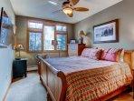 13-Highland-Lodge-308_bedroom-2.jpg