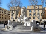 Fontana delle Anfore (1927) in Piazza Testaccio