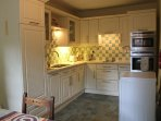 A well equipped kitchen with integral appliances
