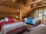Bedroom w 2 full beds