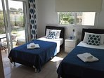 Twin single bedroom (blue)