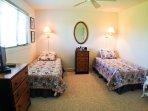2nd bedroom (up)
