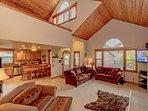 3-for-2 Fall Special! Cascade Pines - 3BR+Loft   2.5BA   WiFi   Hot Tub