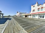 The Ocean City streets are lined with retro shops, restaurants, and charming boardwalk areas to enjoy!