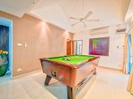 Game room. Billiard.