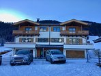 NEW! Ski In/Out Chalet on the slopes of Ski Welt Wilder Kaiser! Stunning views of the Alps!