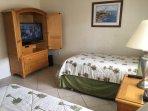 Guest Bedroom W/45' HDTV