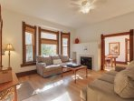 Charming dog-friendly Victorian home with fenced backyard and room for everyone