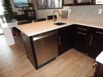 Quartz counters and stainless appliances