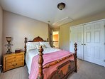 You'll find 3 bedrooms with queen-sized beds in the home.