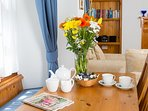 Bovisand Heritage Apartments - Rodney, flowers on arrival