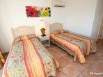 437 guest bedroom
