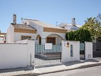 3 bed house with pool in Torre de La Horadada. Near Beach. Aircon. WIFI. Netflix