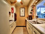 Full kitchen make preparing meals a snap.