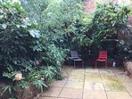 Tranquil garden in the centre of Zone 1 London