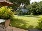 Garden view lanai - quiet and beautifully landscaped.