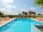 Shared outdoor swimming pool 50 meters from the sea