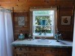 Furniture,Indoors,Room,Dining Room,Bathroom