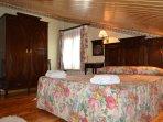 Habitación 6 de matrimonio en segunda planta con baño, con posibilidad de 2 camas supletorias