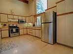 Oven,Fridge,Refrigerator,Floor,Flooring